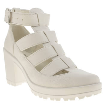 womens schuh white jeopardy low heels