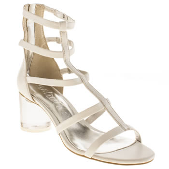 Womens Schuh White Too Hot To Handle Low Heels