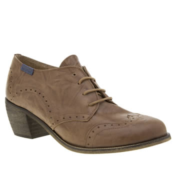 Red Or Dead Tan Loretta Womens Low Heels