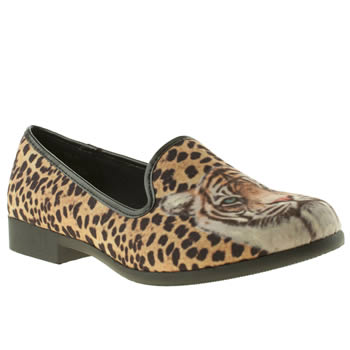 womens youth rise up beige & brown cheetah flat shoes
