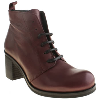 Womens Schuh Burgundy Twisted Boots