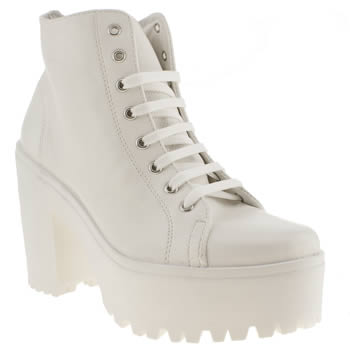Schuh White Chit Chat Boots