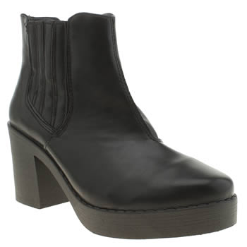 Schuh Black Controversial Boots