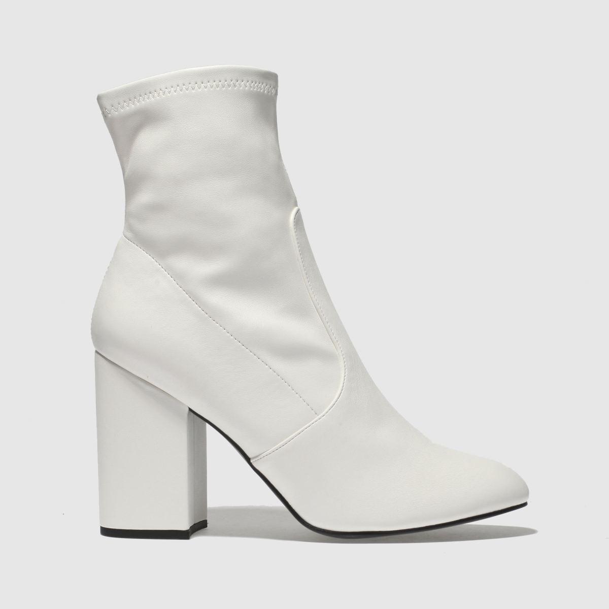 Schuh White Solo Boots