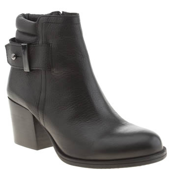 Schuh Black Data Boots