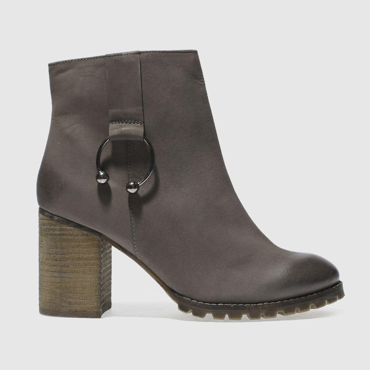 schuh grey scandalous boots