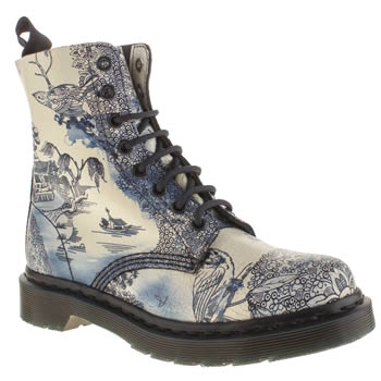Dr Martens White & Navy Pascal 8-eye Boot Willow Boots