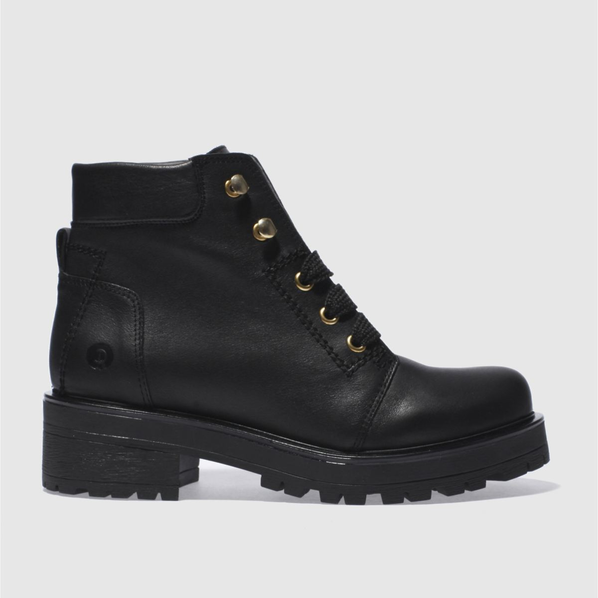 red or dead black rocky boots