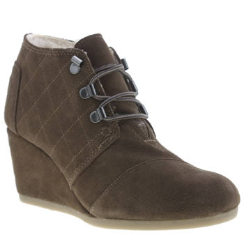 Toms Brown Desert Wedge Shearling Boots
