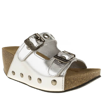 womens red or dead silver shaky shaky sandals