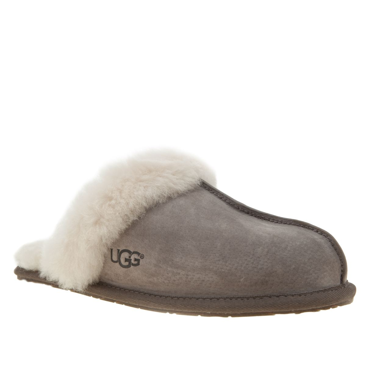 difference between ugg bearpaw emu