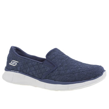 Skechers Navy & White Equalizer Autumn Breeze Trainers