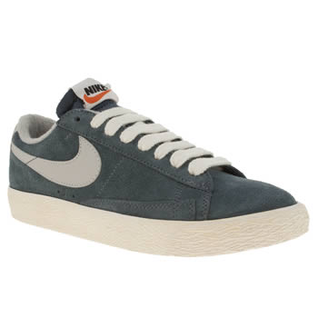 womens nike navy blazer low trainers