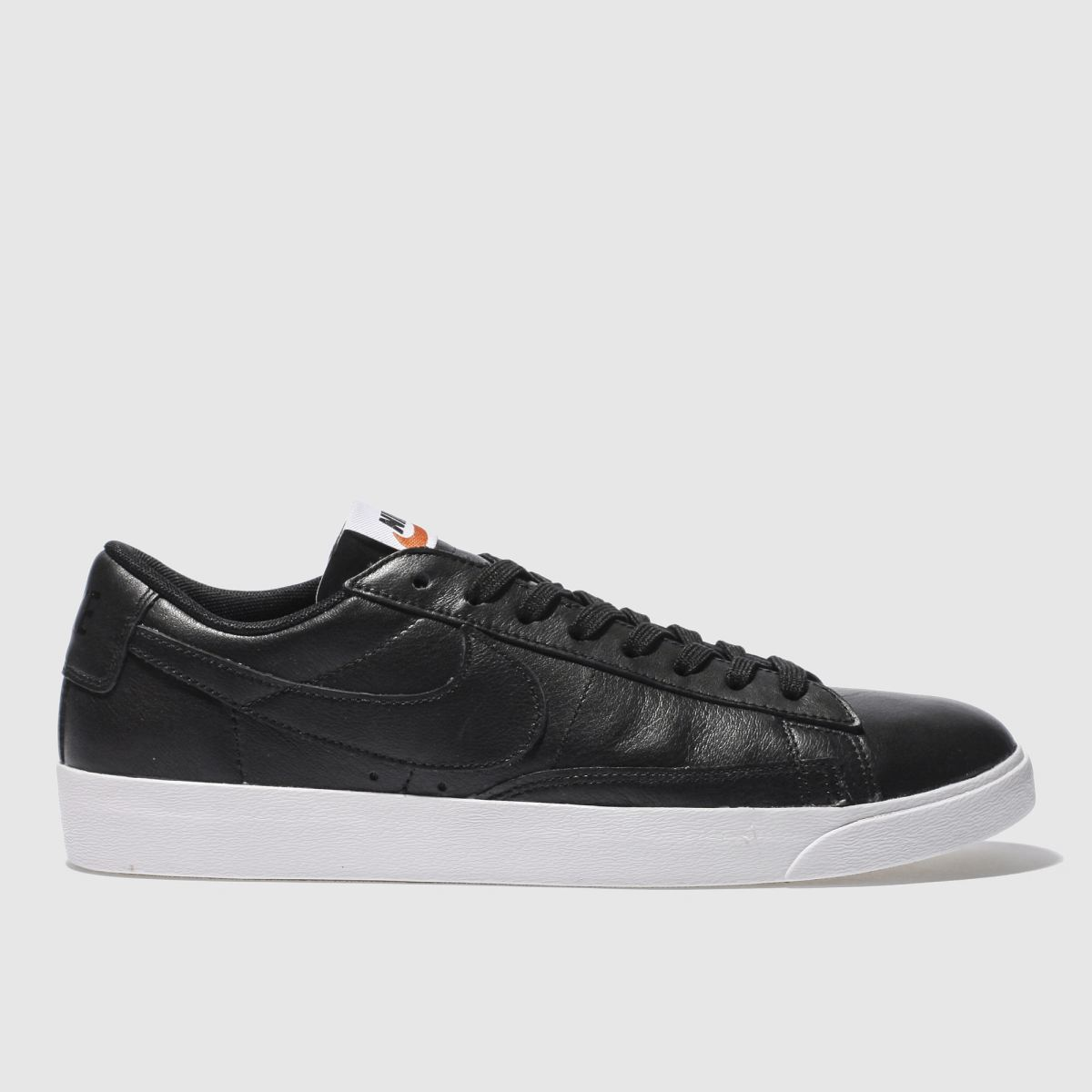 nike black & white blazer low leather trainers