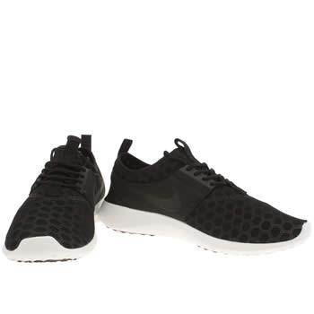 black nike trainers white sole womens