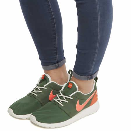 ykwbd Womens Khaki Nike Roshe One Retro Trainers | schuh