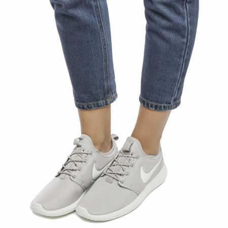 Nike Roshe Two iD Shoe. Nike EG