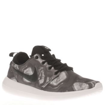 Nike Black & White Roshe Two Print Womens Trainers