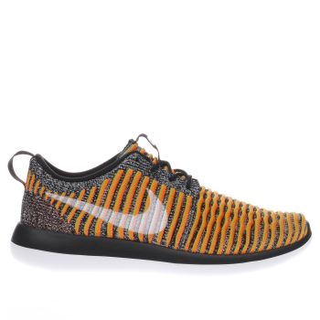 Nike Black & Orange ROSHE TWO FLYKNIT Trainers