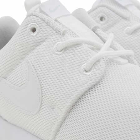 pzvnz Kids White Nike Roshe One Junior Trainers | schuh