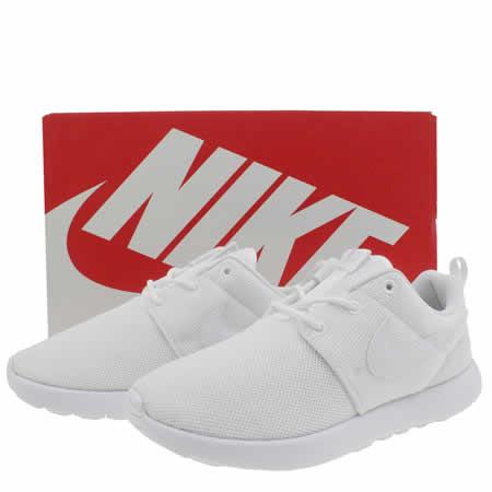 zvriv Kids White Nike Roshe One Junior Trainers | schuh