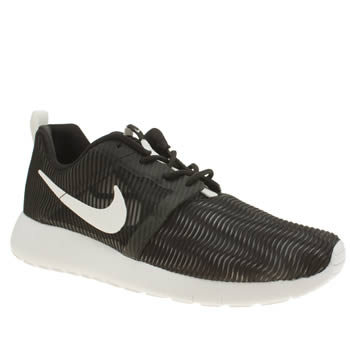 Nike Black & White Roshe One Flight Weight Unisex Youth