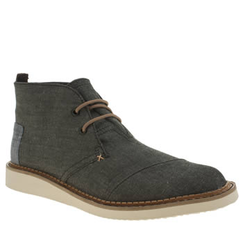 mens chukka boots suede and leather boots schuh