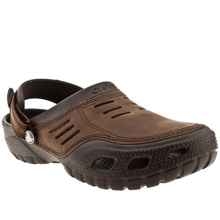crocs yukon sport 1