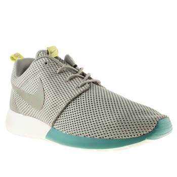 mens nike light grey roshe run trainers