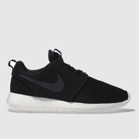 roshe run black sale