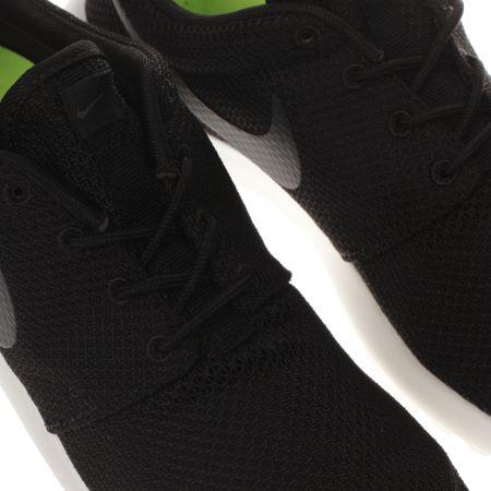 xzumv Mens Black & Grey Nike Roshe One Trainers | schuh