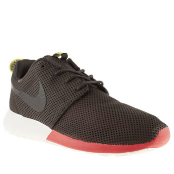 mens nike black & red roshe run trainers