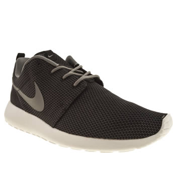 mens nike dark grey roshe run trainers