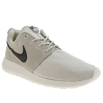 Mens Nike White & Black Roshe Run Suede Trainers