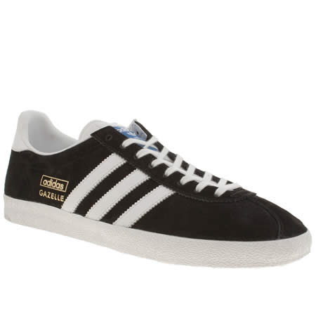 plain black adidas trainers