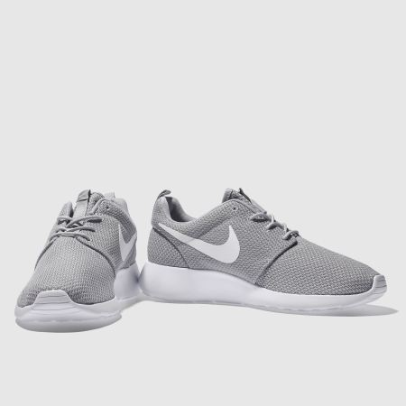 ftvga Mens Light Grey Nike Roshe One Trainers | schuh