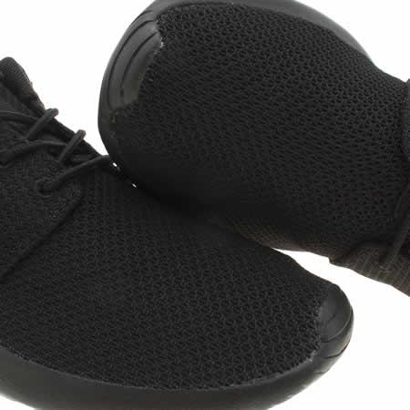 qjblm Mens Black Nike Roshe One Trainers | schuh