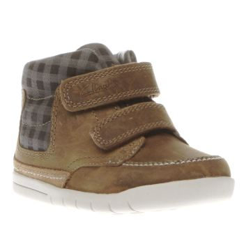CLARKS TAN CRAZY BEN FST BOYS TODDLER BOOTS