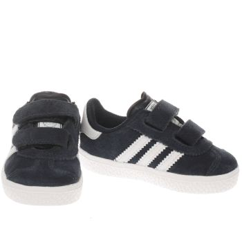 boys white adidas trainers