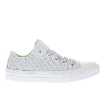 CONVERSE WHITE & PL BLUE CHUCK TAYLOR II OX BOYS JUNIOR TRAINERS