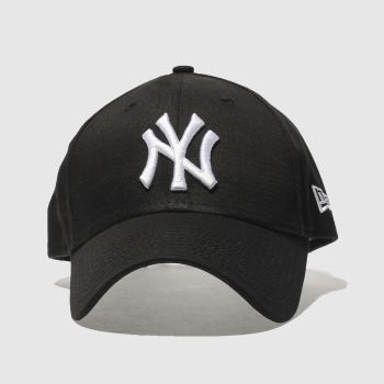 New Era Black & White 940 League Basic Ny Yankee Adults Hats
