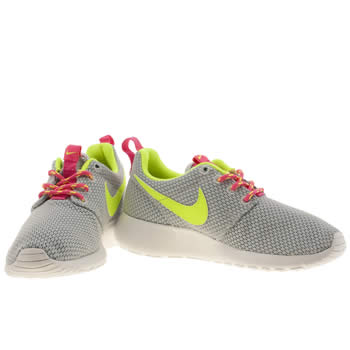 nike roshe run girls