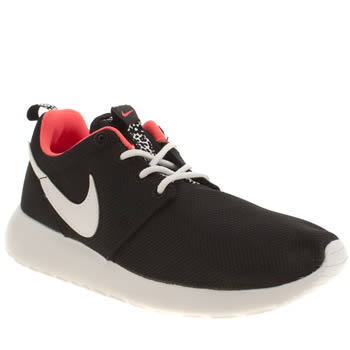 Girls Nike Black & White Roshe Run Girls Youth