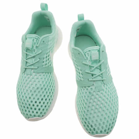 gginf Girls Turquoise Nike Roshe One Flight Weight Junior Trainers | schuh