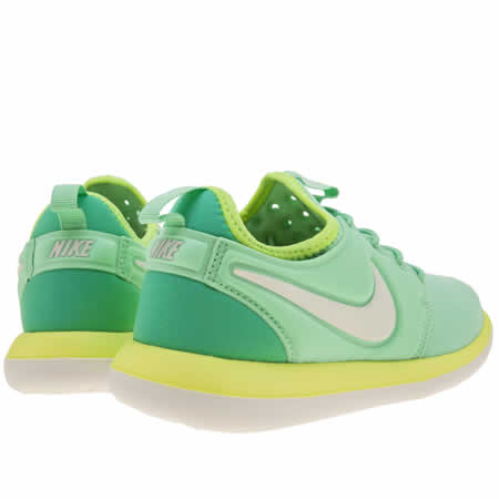 llfir Girls Turquoise Nike Roshe Two Youth Trainers | schuh