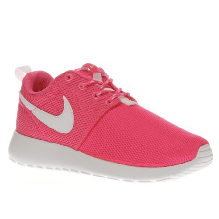 hppsj Girls Pink Nike Roshe Run Youth Trainers | schuh