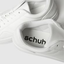 Schuh Attention 1