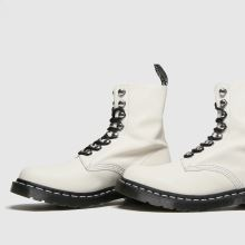 Dr Martens 1460 Pascal Hardware 1