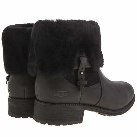 5147d540e2 Ugg Boots White Rose Leeds - I Do Fotografie