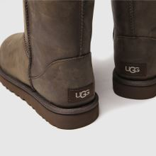 Ugg classic short ii leather 1
